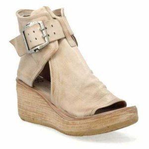 SZ US 8.5 Womens A.S.98 Beige Wedge Buckle Sandals